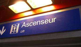 Suicide a l'ascenseur II dans Adherent lift